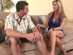 Big titted MILF hoe gives amazing head