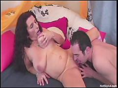 Mature Sandra gets a big dildo in her pussy before she fucks