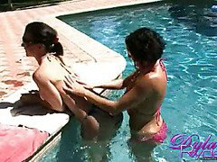 Sexy Pussies Dylan Ryder and Jessica in the Pool