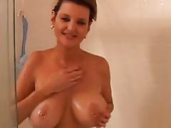Amateur mature in the shower