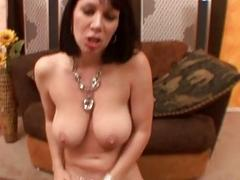 RayVeness Uses Unique Blowjob Skills