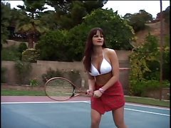 Amateur tennis player exposes her big boobs