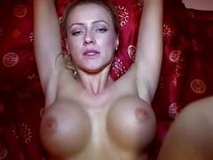 Eurobabe flashes her big boobs for money
