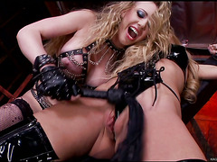 HD Kagney Linn Karter Has Her Way with Amy Brooke