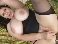 Busty Britain Video15