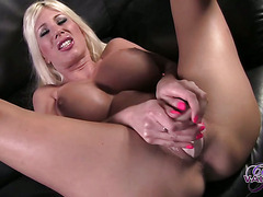 Claudia Valentine in Two Solos in One†-†Movies