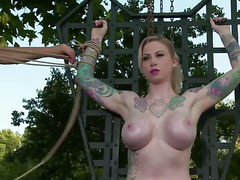 BigTit Blonde Tied Rack Dunking