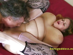 He loves to drill her ass