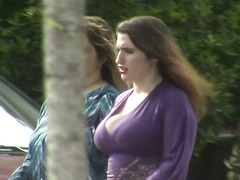 candids - big,bouncy tits cleavage & nice ass