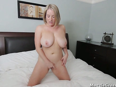 Busty Babe Maggie Greens Cums with Toy!