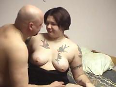 Tattooed girl thinks that she has no time to waste and starts seducing her fat boyfriend