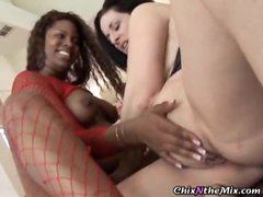 Chubby chicks in an interracial lesbian scene