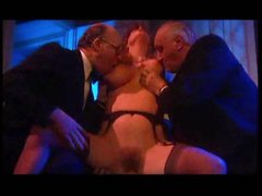 Mature blonde likes the group scene