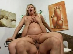 Chubby mature fucked in her hot pussy